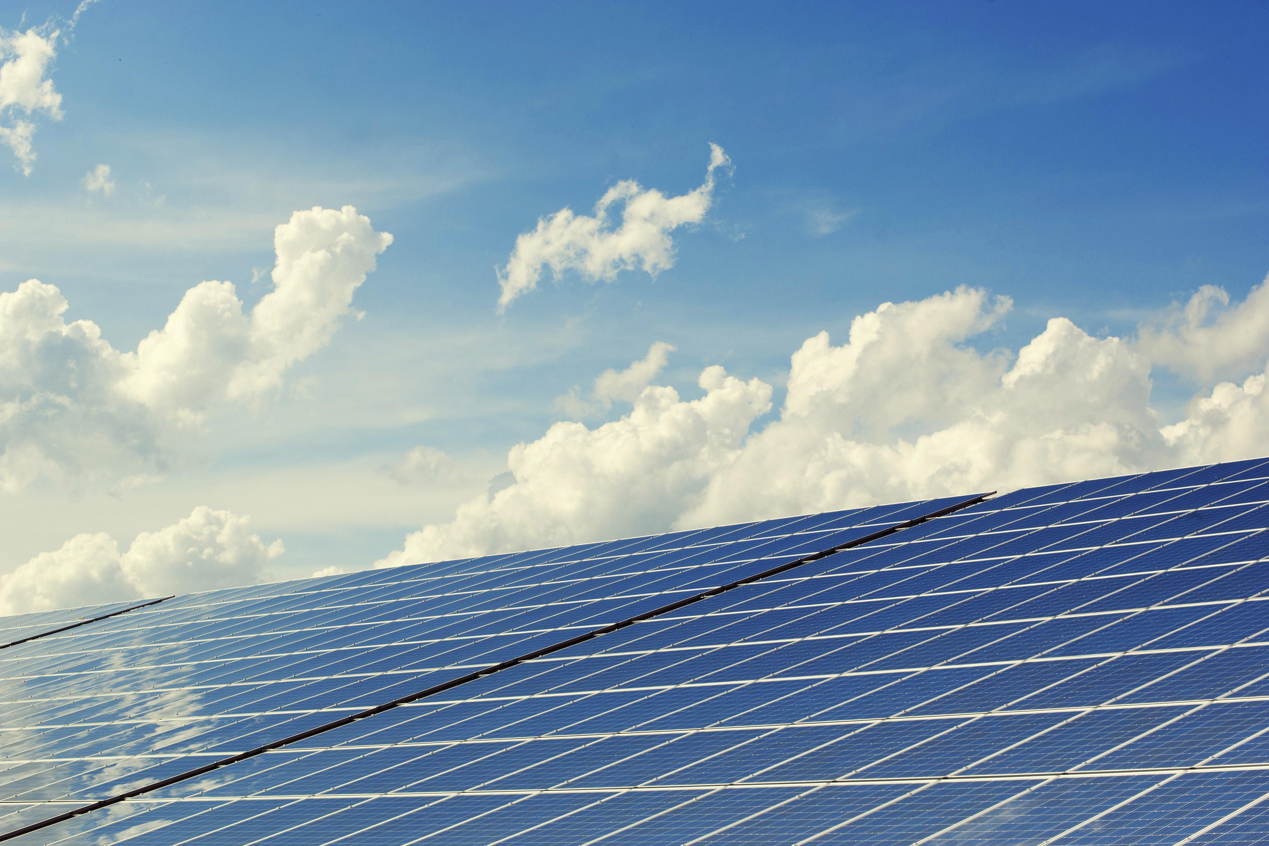 panel metálico aislado fotovoltaico